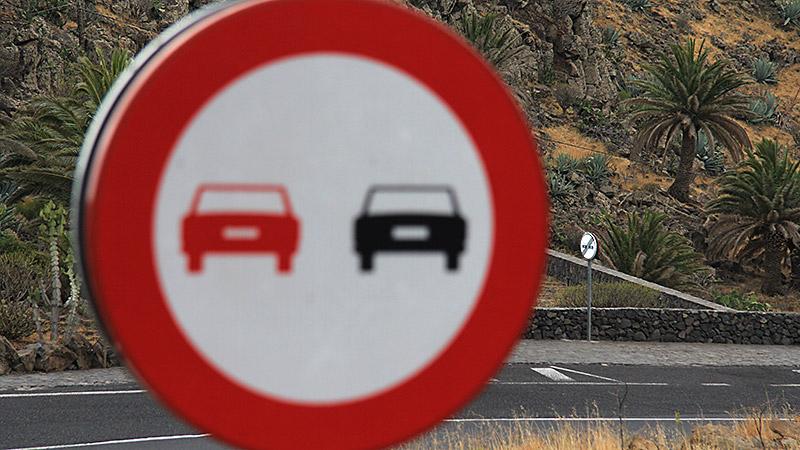Schilderwald: Überholen verboten - Überholverbot aufgehoben